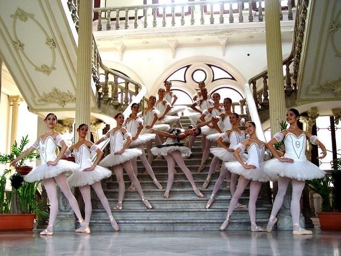 10 Best Ballet Schools in the World | Dance Buzz